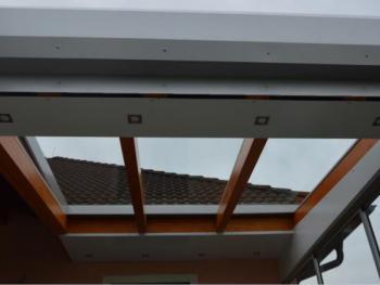 Holz-ALUCOBOND Terrassenüberdachung mit Schiebeelementen